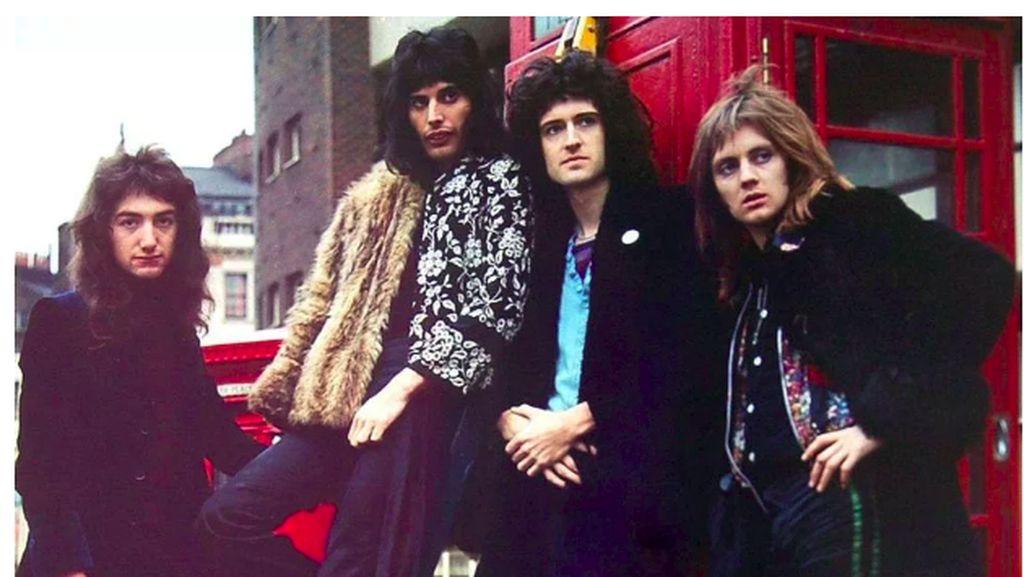 Filmnya Meledak, Queen Siapkan Tur Konser