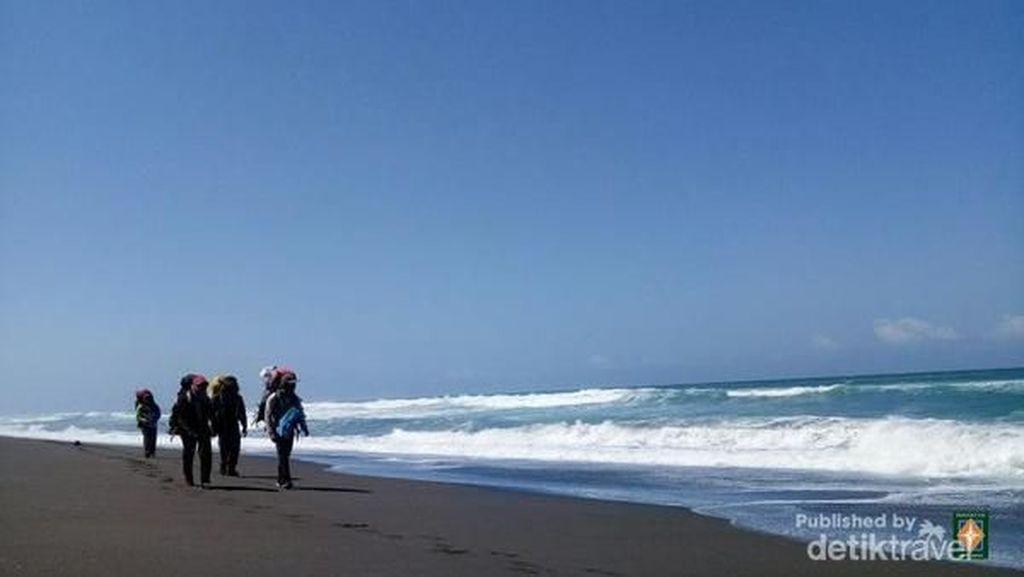 Saat Menyusuri Pantai di Purworejo hingga Kebumen
