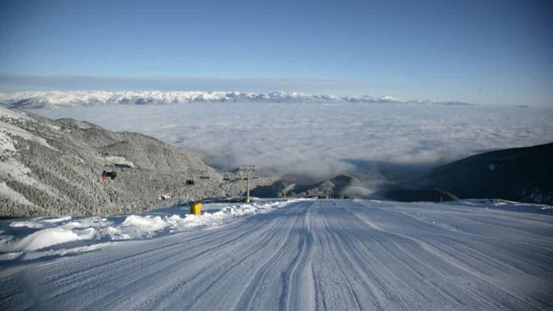 Post Office Travel Money merilis Ski Resort Report 2018, tentang daftar resor ski termurah di Eropa. Posisi pertama diraih oleh Bansko di Bulgaria (Bulgaria Bansko/CNN)