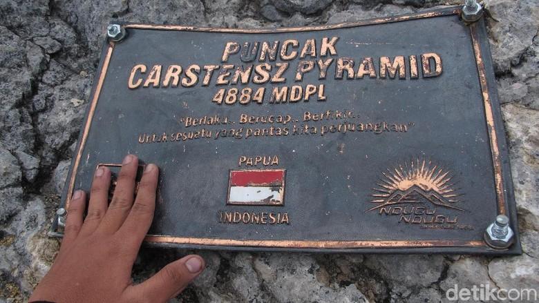 Trek Pendakian Carstensz
