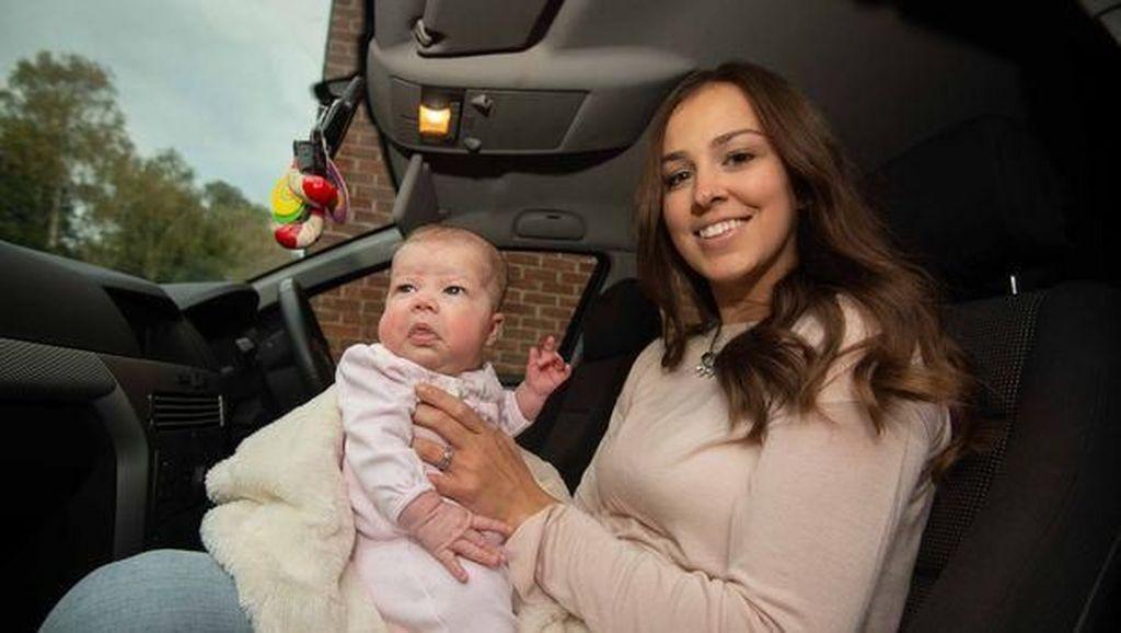Wanita Ini Melahirkan di Mobil karena Terjebak di Kemacetan