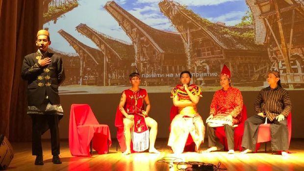 Perhimpunan mahasiswa Indonesia di Rusia (Permira) selenggarakan pagelaran budaya Wonderful Indonesia di Rostov, 2 November 2018.