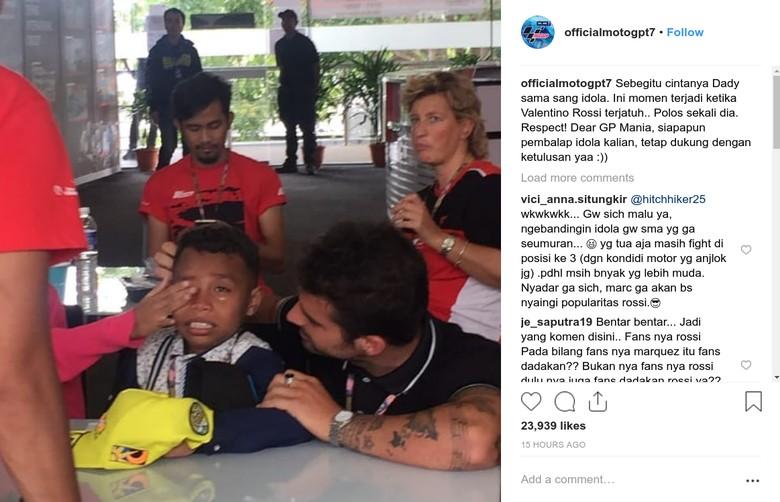 Momen Komentator MotoGP Cilik Asal NTT yang Menangis Lihat Rossi Terjatuh. Foto: Instagram/officialmotogpt7
