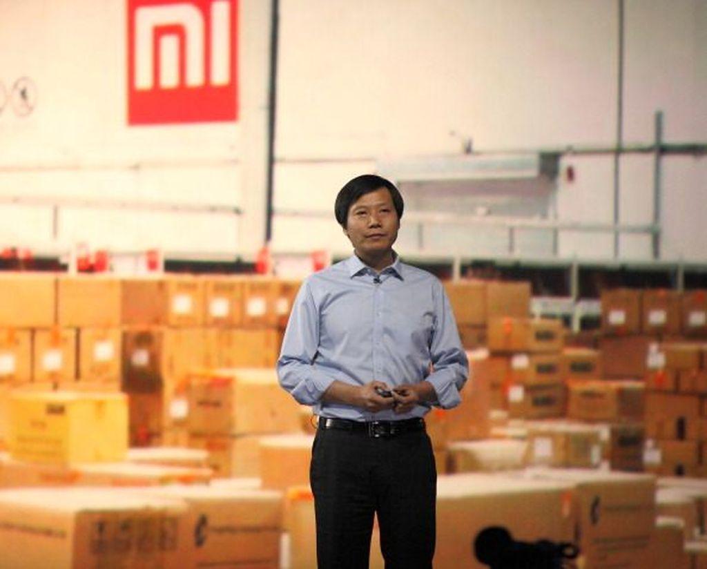Lei Jun lahir di Xiantao, kota kecil di provinsi Hubei, China. Sedari kecil Lei Jun lebih tertarik terhadap produk teknologi. Dia sudah coba mendirikan perusahaan di akhir kuliah di Wuhan University. Foto: Getty Images
