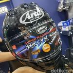 Gokil! Helm Ini Lebih Mahal dari Motor Sport 150 cc
