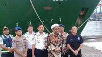 Beri Dukungan, Ngabalin Datangi Posko Evakuasi Lion Air di Tj Priok