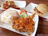 Dari Kue Hingga Fried Chicken, Mana Kuliner Artis yang Paling Laris?