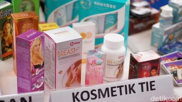 Produk pembesar payudara yang diamankan karena tidak memiliki izin edar (Foto: Annissa Widya Davita/detikHealth)