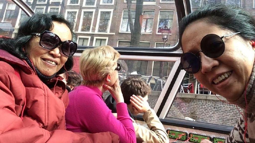 Backpacking ke Eropa Bersama Mama, Mengapa Tidak?