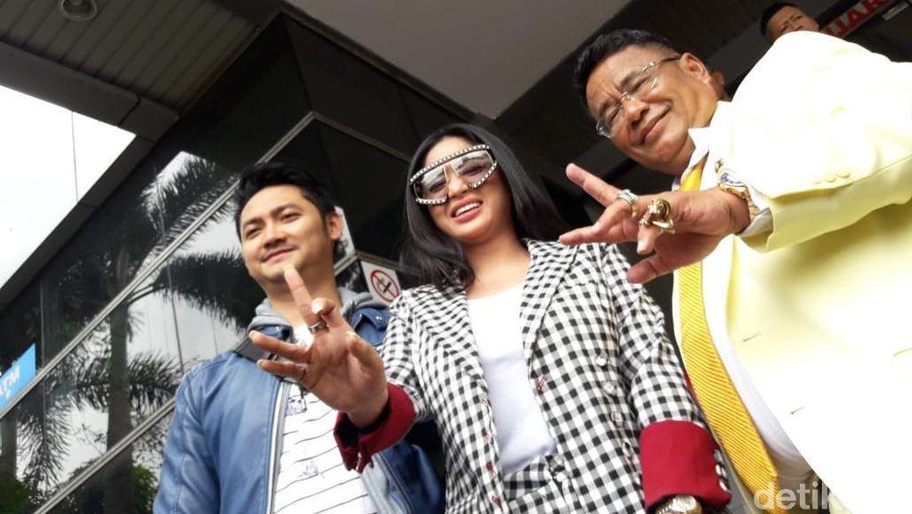 Dewi Perssik Laporkan Meldi ke Polda Gara-gara Ini