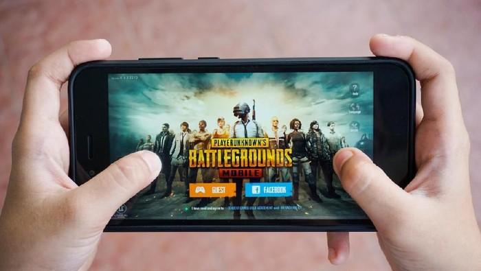 Moncer di iOS dan Android, jumlah pemain PUBG Mobile kini sudah setara Fortnite. Foto: shutterstock