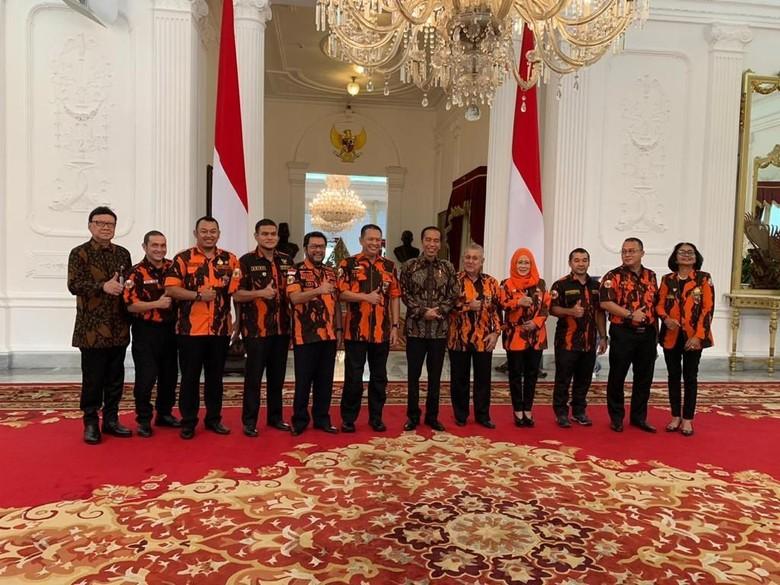 Bahas Piplres, Bamsoet Bawa Pemuda Pancasila Temui Jokowi