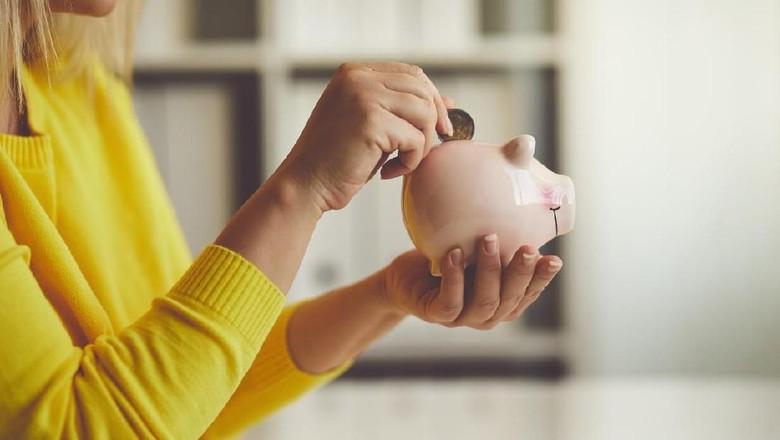 Ilustrasi investasi untuk persiapan biaya masuk sekolah anak/ Foto: iStock
