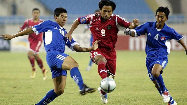 Ilham Jaya Kesuma tampil brilian di Piala AFF 2004.
