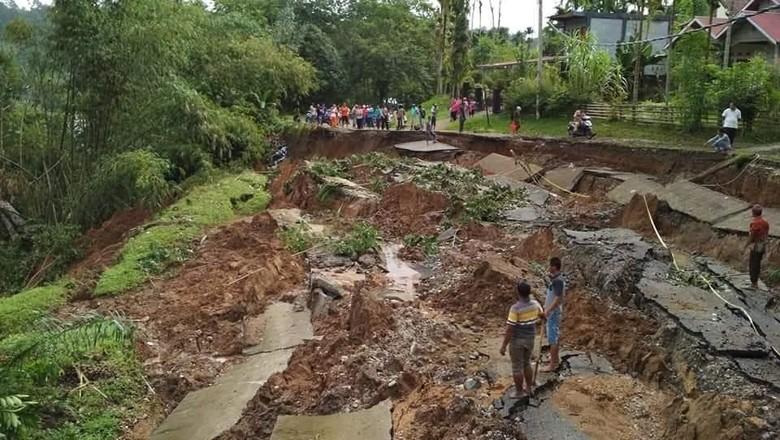 Banjir dan Longsor Landa Sumbar, Total 15 Warga Tewas