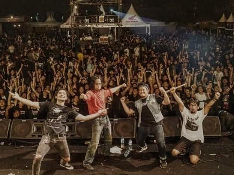Komunal Siapkan Konser Intim di Jakarta