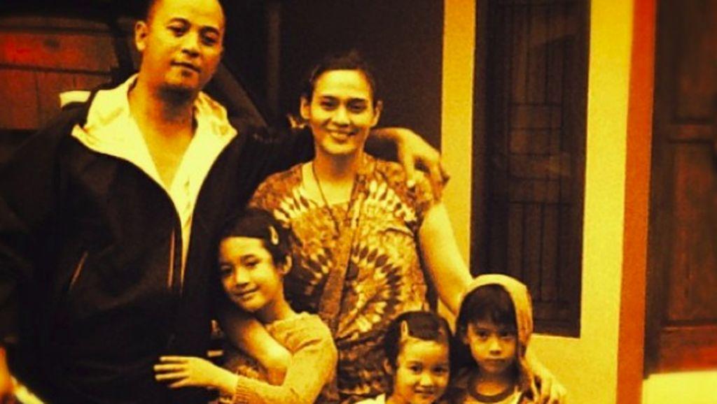 Momen Bahagia Keluarga Ine Febrianti yang Jarang Terekspos