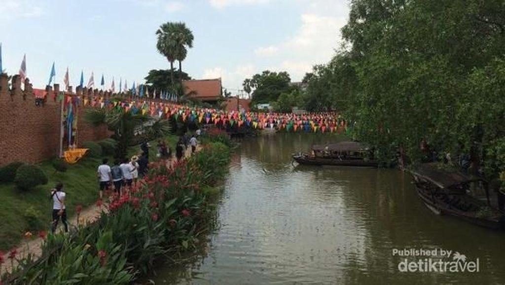 Serunya Floating Market di Ayutthaya