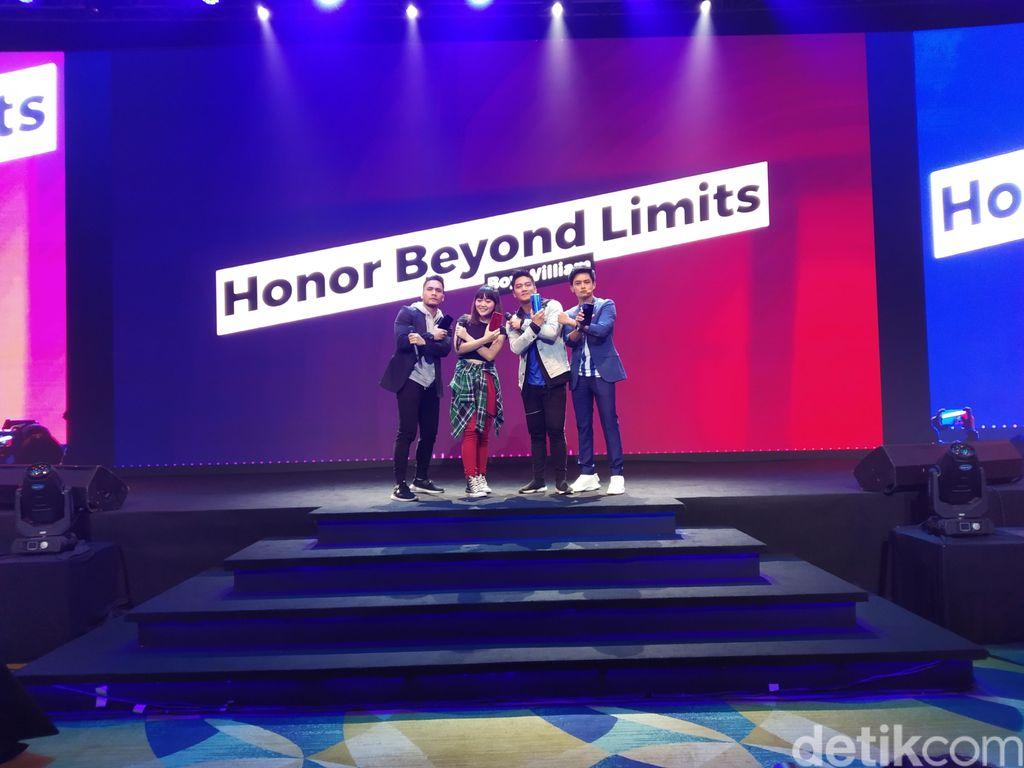 Honor resmi mengumumkan ponsel anyarnya, yaitu Honor 8X di Indonesia, dalam sebuah perhelatan meriah di Jakarta. Smartphone ini sebelumnya diperkenalkan di China pada bulan September lalu. Foto: Imron Rosyadi/detikinet