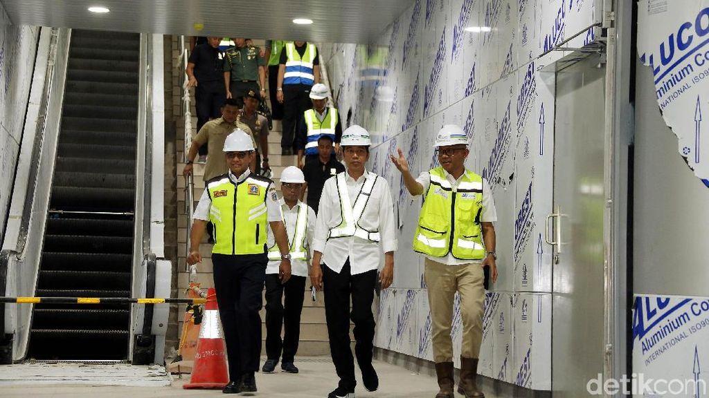 Jajal MRT Pertama Kali, Jokowi Bocorkan Harga Tiket