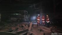 Ditabrak Bus yang Hendak Isi Solar, SPBU di Jember Terbakar