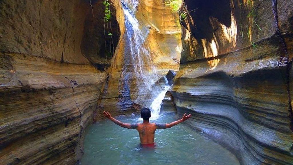 Foto: Curug Love, Air Terjun di Bogor yang Bikin Jatuh Hati