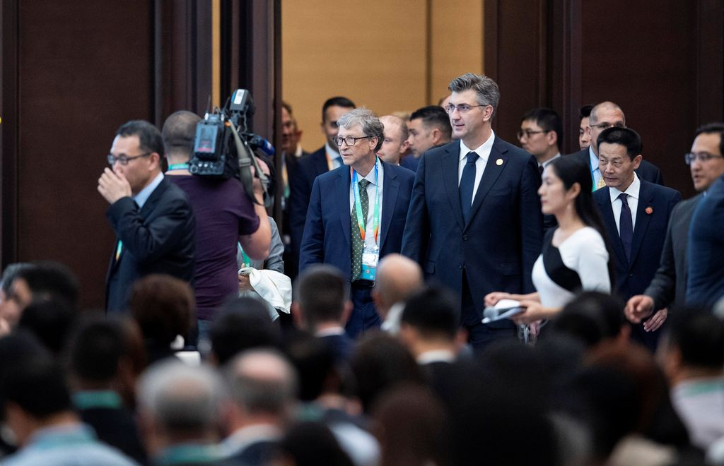 Kedatangan Bill Gates di event China International Import Expo yang berlangsung di kota Shanghai. Foto: Reuters