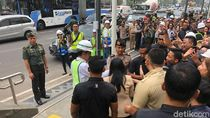 Keluar dari Depo MRT HI, Jokowi Diserbu Pedestrian