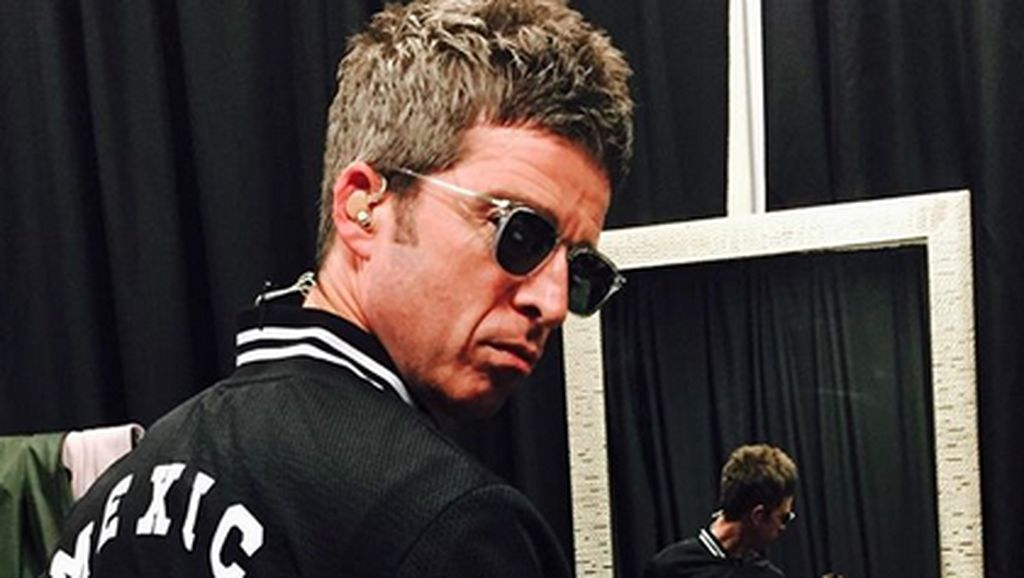 Giliran Noel Gallagher Cicipi Klip dengan Tren Green Screen