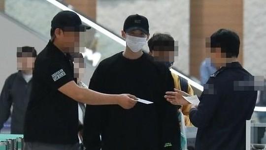 Kembali Lagi ke Korea, Lee Jong Suk Happy!