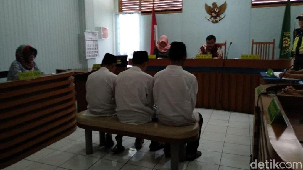 Vonis Bebas Hakim Terhadap Satu Pengeroyok Haringga Sirla