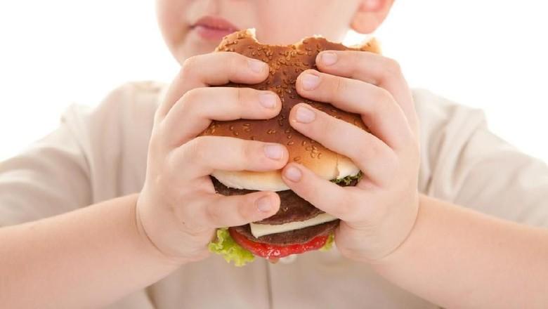 Ilustrasi anak obesitas/ Foto: iStock