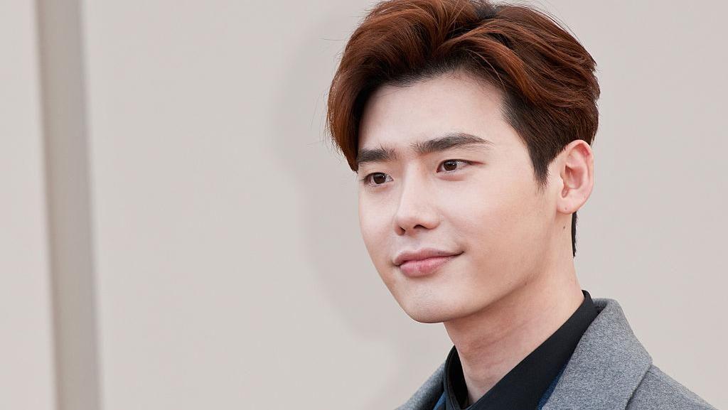 Kwon Nara & Deretan Artis Lain yang Pernah Digosipkan Pacari Lee Jong Suk