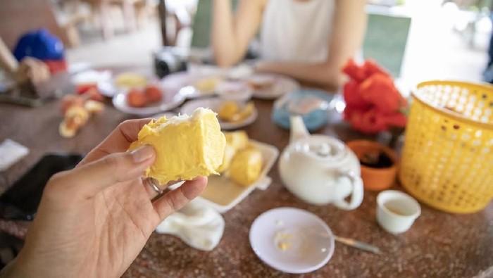 Bagi sebagian orang, bau durian sangat menyengat dan tidak sedap (Foto: iStock)