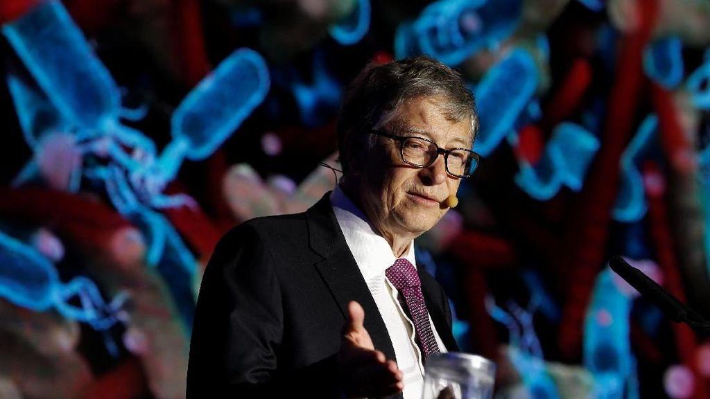 Astaga, Bill Gates Bawa Kotoran Manusia