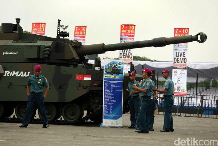 Kementerian Pertahanan bekerjasama dengan PT Napindo Media Ashatama untuk kedelapan kalinya menyelenggarakan pameran internasional bidang teknologi industri pertahanan tiga matra yakni Indo Defence 2018. Tank harimau dipamerkan di Indo Defence 2018 Ekspo & Forum. Tank tersebut dibuat oleh Pindad yang bekerjasama dengan FNSS Turky.