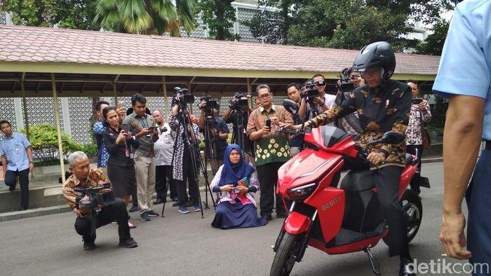 Foto: Motor listrik Gesits di Istana Negara/Foto: Hendra Kusuma-detikFinance