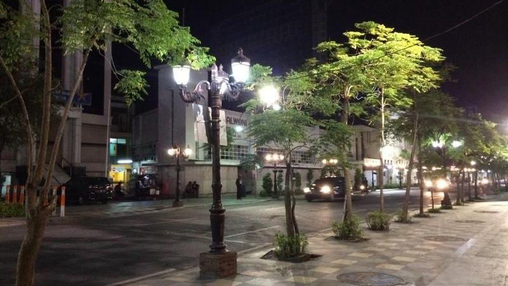 Kawasan Orchard Road ala Surabaya