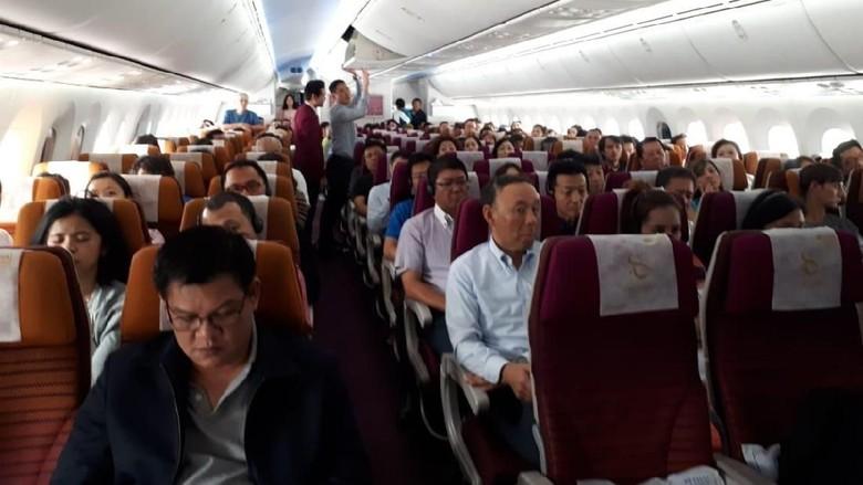 Suasana kelas ekonomi maskapai Thai Airways (Istimewa/Luthfi)