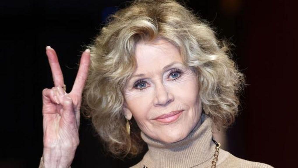 Foto: Pesona Jane Fonda, Tetap Bugar dan Cantik di Usia 80