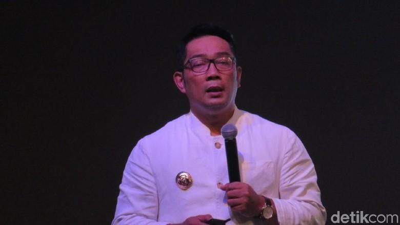 Ridwan Kamil Tepis Viral Review A Man Called Ahok
