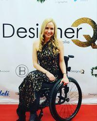 Cerita Inspiratif Wanita yang Kakinya Diamputasi dan Sukses Jadi Model