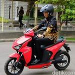 Jokowi Mendadak Otomotif