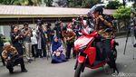Gaya Jokowi Jajal Motor Listrik Buatan ITS