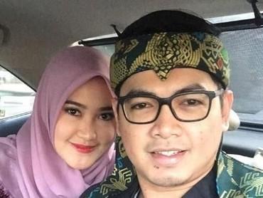 Setelah menjadi istri Tommy Kurniawan, Lisya selalu setia menemani ke mana pun Tommy pergi. (Foto: Instagram @tommykurniawann)