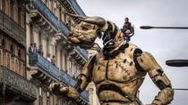Jangan Kaget! Di Prancis Ada Monster Raksasa