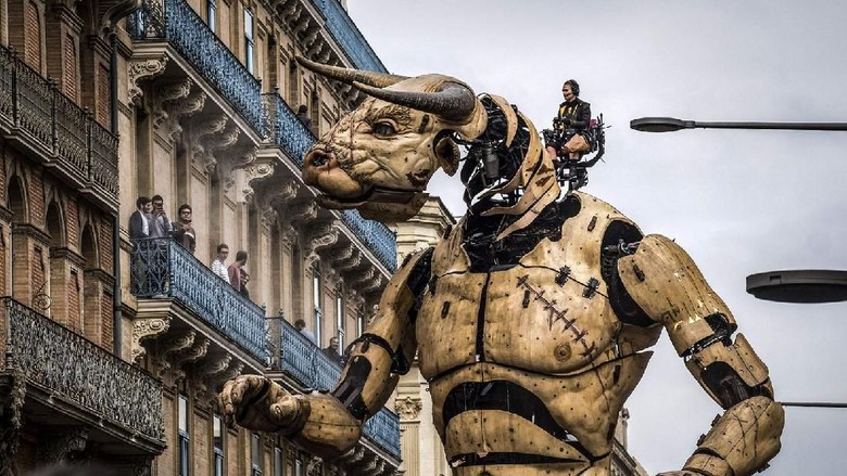 Foto: Aksi robot keren di Kota Toulouse (Eric Cabanis/ AFP)