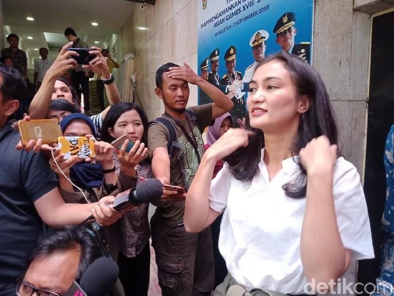 Ingin Ratna Sarumpaet Jadi Tahanan Kota, Atiqah Siap Jadi Jaminan