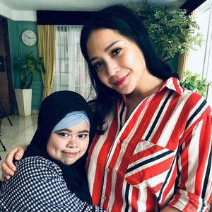 Youtuber Rahma Kekeyi yang Makeup Pakai Balon Nangis Ketemu Nagita Slavina