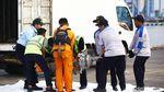 Potret Turbin Kedua Lion Air PK-LQP Dibawa ke Kantor KNKT